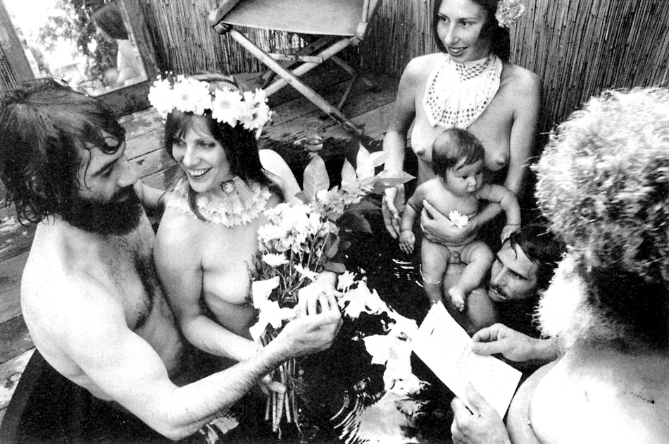 Robert Alexander (right) officiating a hot tub wedding ceremony in Venice, 1978. Photo: Lyle Mayer.
