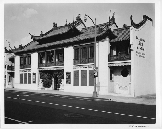 Exterior of the Pasadena Art Museum, located at 46 N. Los Robles Avenue, ca. 1960s. Courtesy of the Archives, Pasadena Museum of History.
