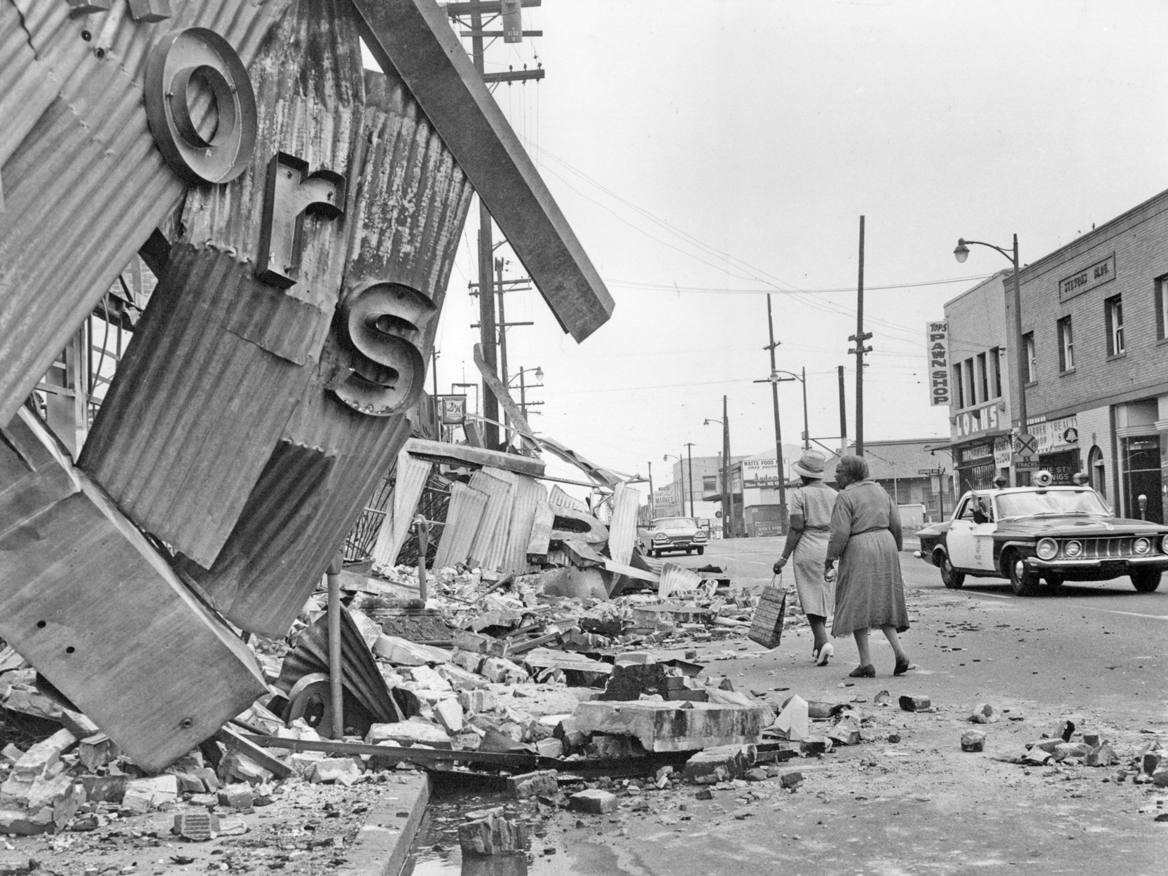 The aftermath of the Watts Riots, August 1965. Photo: <em>Los Angeles Times</em> Staff Photographer. Copyright 2005, <em>Los Angeles Times.</em> Reprinted with Permission.