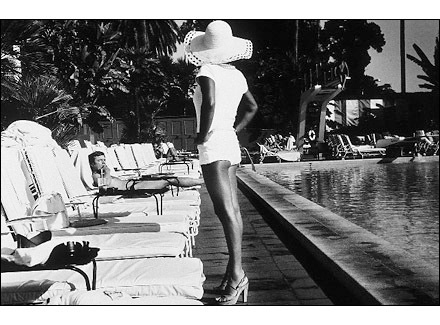 Anthony Friedkin, <em>Woman by the Pool</em>, 1975. Silver gelatin print, 16 x 20 in. Coutesy Stephen Cohen Gallery, Los Angeles.