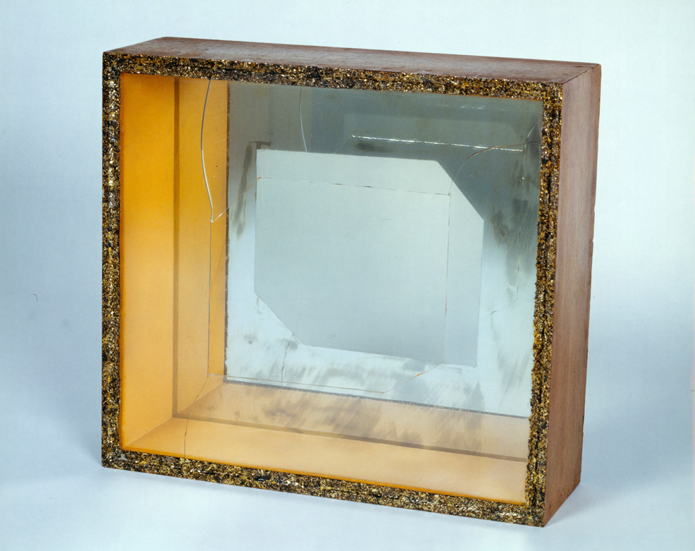 Larry Bell, <em>Untitled</em>, 1959. Cracked glass, gold plaint, wood, mirror, 11 x 12 x 4 in. Courtesy of the artist.