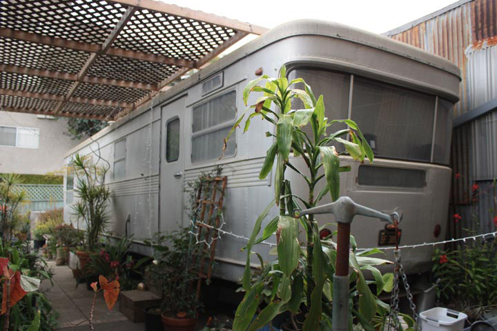 The Spartan Royal Mansion trailer at the Museum of Jurassic Technology, Culver City, CA. Courtesy of Nicholas Lowe