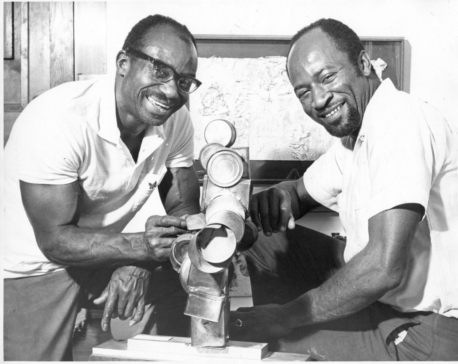 Noah Purifoy and Judson Powell at the Watts Towers Art Center, Los Angeles, ca. 1964. Courtesy of the Noah Purifoy Foundation.