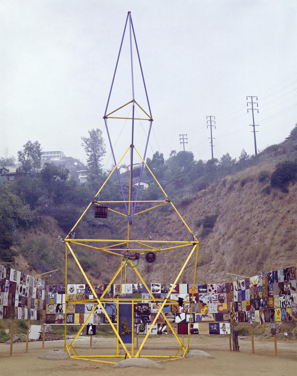 Mark di Suvero, <em>Artists' Tower of Protest</em> (Peace Tower), 1966. Steel and mixed media, 55 ft. Installed Los Angeles. Charles Brittin Archive, The Getty Research Institute, Los Angeles, (2005.M.11). Photo: Charles Brittin. © J. Paul Getty Trust.