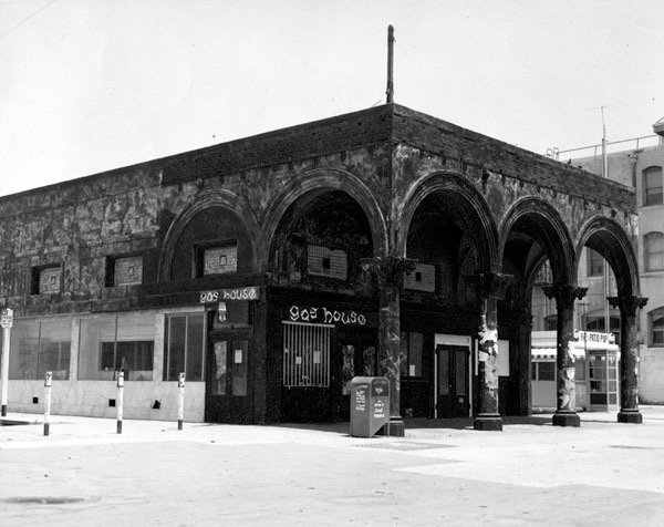 Exterior of the Gas House, Venice, CA, 1962. Courtesy of the Los Angeles Public Library.
