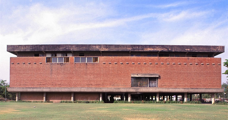 Sanskar Kendra Museum, Ahmedabad, India. Designed by Le Corbusier in 1951. Photographer unknown.