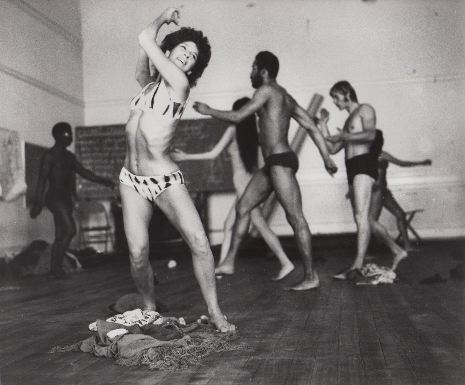 Anna Halprin with dancers from the San Francisco Dancers' Workshop and Studio Watts School for the Arts, during a rehearsal for <em>Ceremony of Us</em>, 1969. Photo courtesy of Anna Halprin.