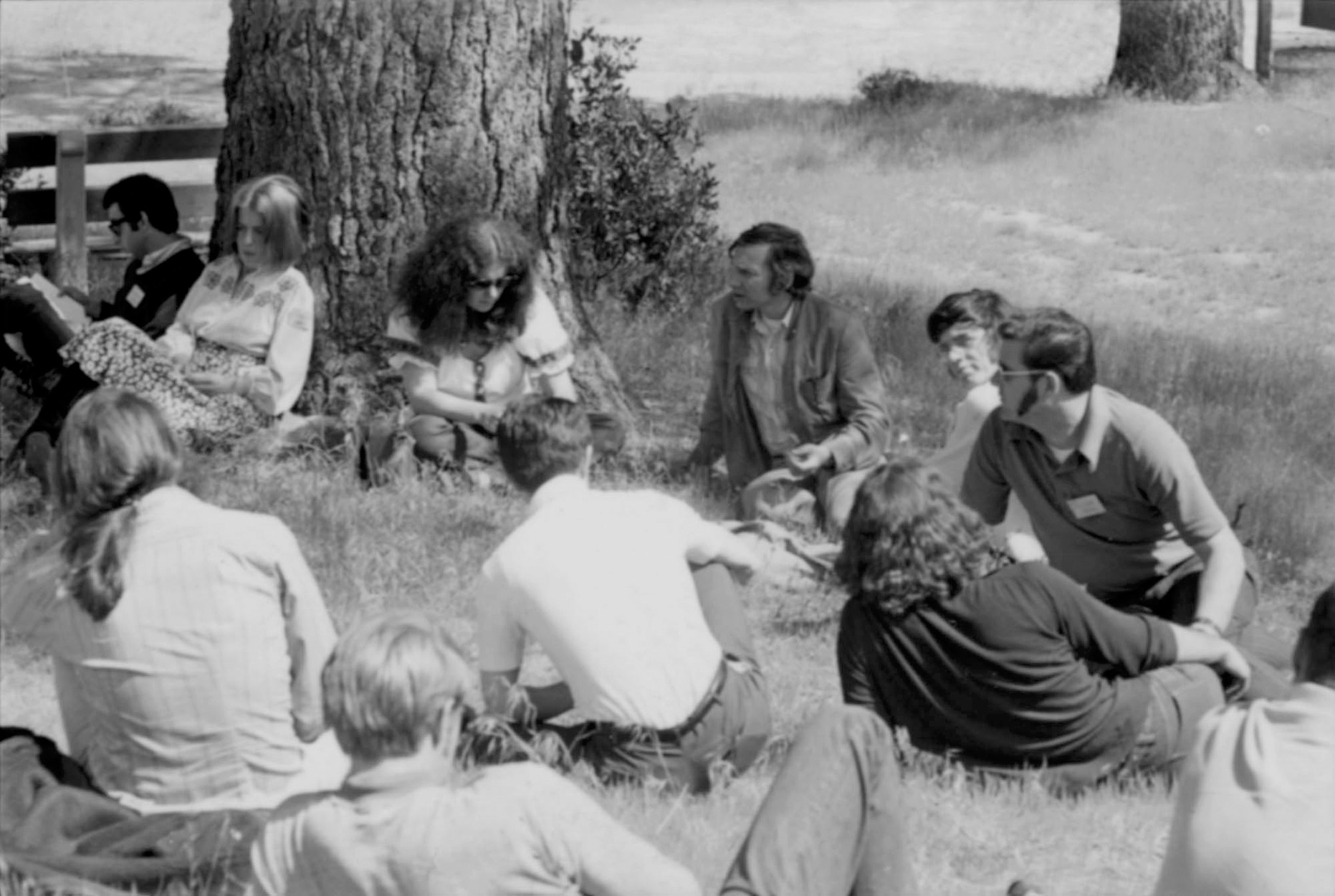 Paul Brach (center), dean of art, at the CalArts faculty retreat in Idyllwild, CA, 1971. Photo: Barry Hyams. Courtesy of the California Institute of the Arts Archive.